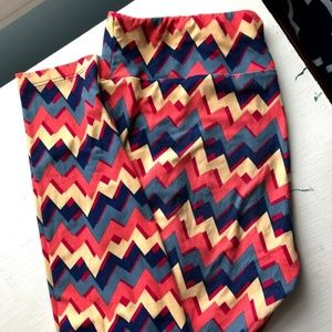 TC LuLaRoe Leggins CHEVRON